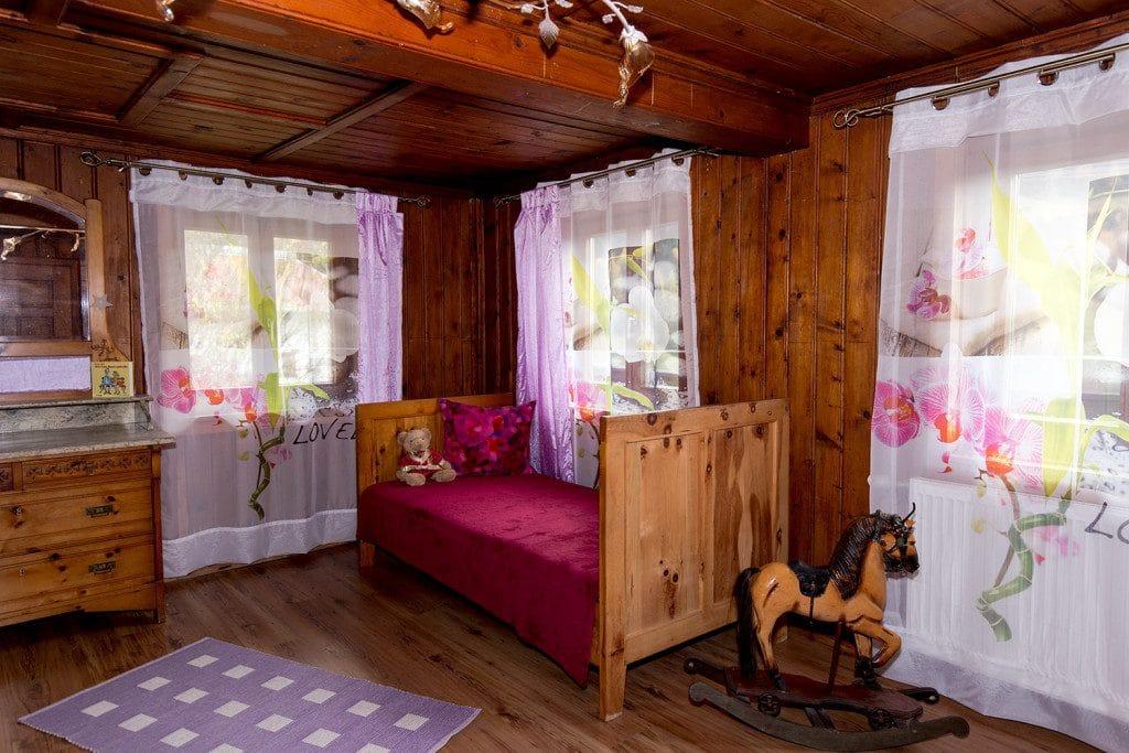 Zirbenzimmer Kinderbett