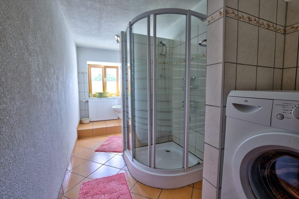rastenhof-badezimmer-erdgeschoss